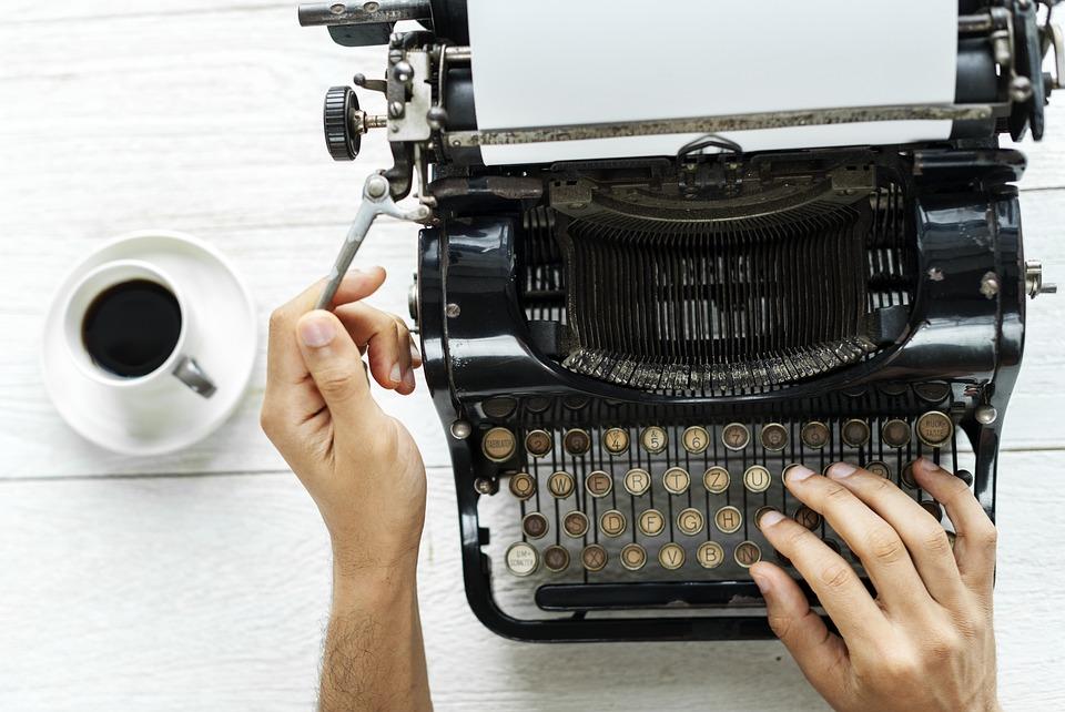 Pubblicare un libro: suggerimenti per trasformare il manoscritto che hai abbandonato nel cassetto, in un Best Seller!!